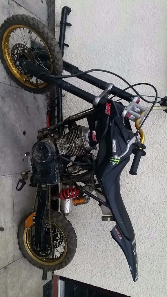 Dirt Bike Pit Bike Mx 200cc Engine Very Powerfull Runs Rides Needs