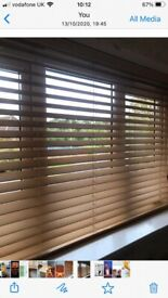 Wooden Venetian blinds maple colour