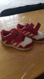 Girls trainers s 7 1/2