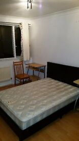 To rent Spacious double room to rent in Putney Heath area