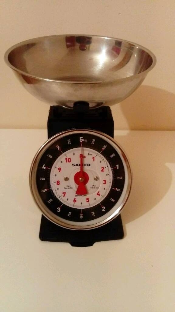 Quality kitchen scale in great condition and clean