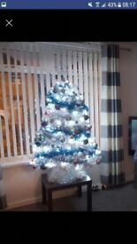 5ft White Christmas tree with decorations