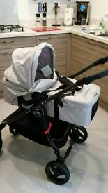 Baby jogger city versa carrycot in silver. Immaculate condition