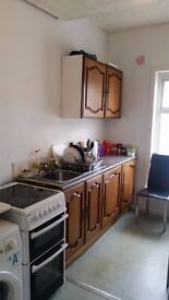 REDUCED PRICE - Furnished double room in flaT share - all bills and wifi included
