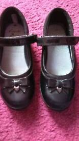 GIRL'S BLACK LEATHER CLARK'S SHOES FOR SALE