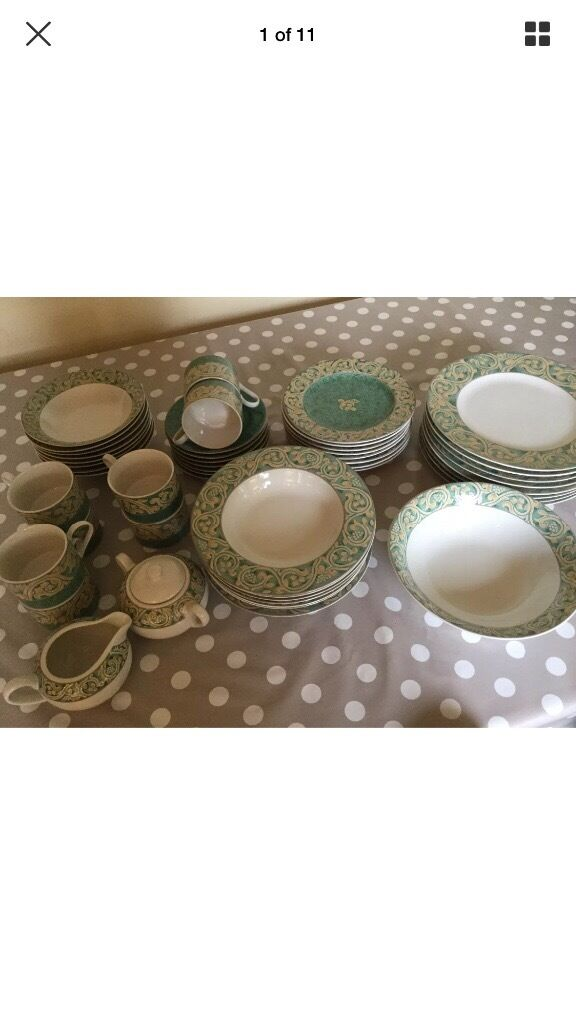 BHS Valencia green cream stoneware dinner service 8 place settings 50 items
