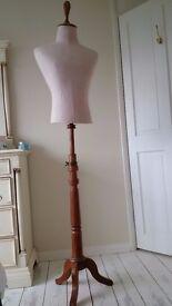 Decorative dress dummy