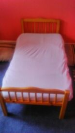 toddlers wooden bed