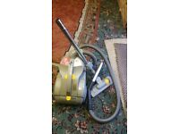 Dyson 02 dual Dyson 02 cyclone technology carpet cleaner in ver good working order