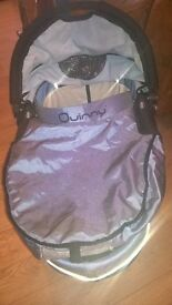 Quinny carry cot