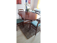 Beautiful wood table with 4 chairs