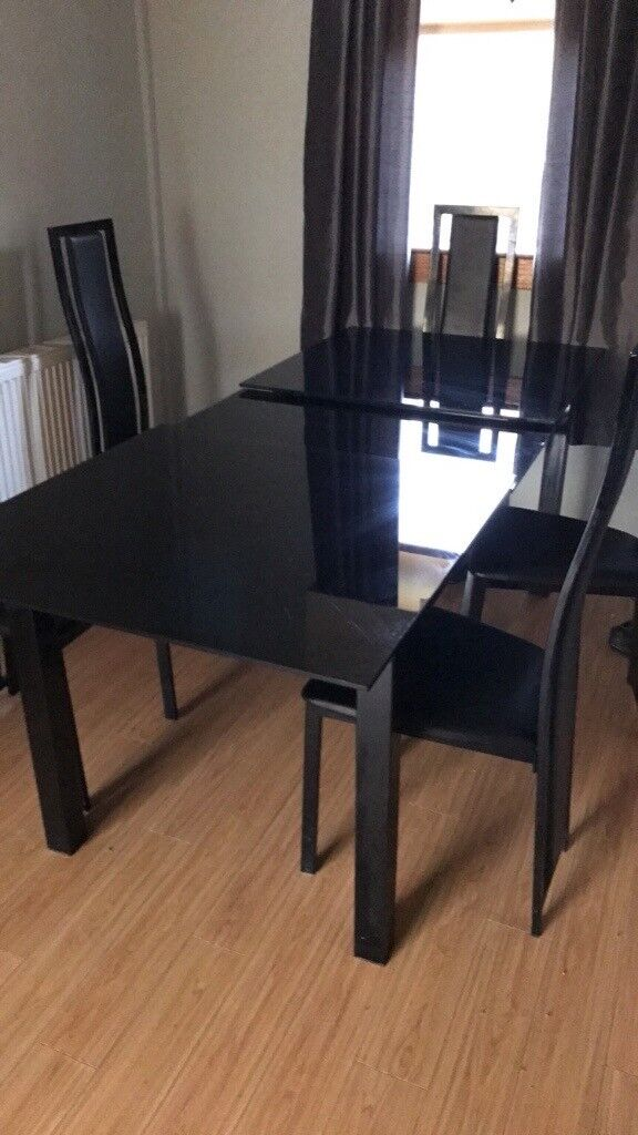 Black Gl Extending Dining Table 4 Chairs