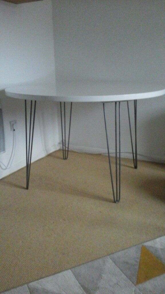 White high gloss dining table