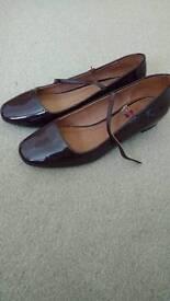 Women heels - burgundy - size 7