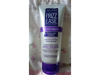 John Frieda Frizz Ease Touch up Creme 100ml
