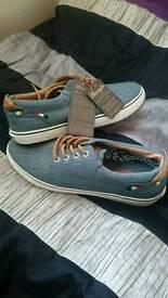 Mens size 10 kangol shoes - new