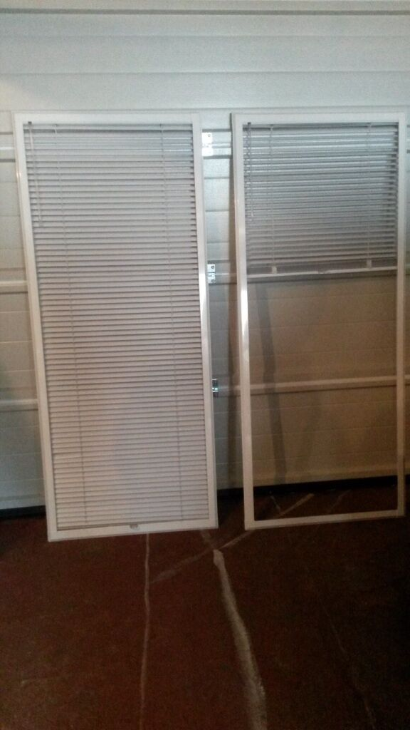 2 39 perfect fit 39 venetian blinds to fit upvc doors as new for Blinds for upvc patio doors