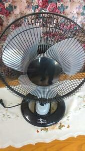 Table fan with three speeds