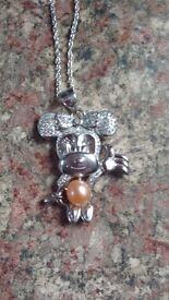 Minnie mouse necklace genuine AAA pink pearl mounted on her tummy