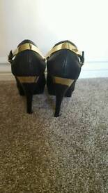 Size 3 ladies high heel shoes