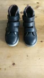 Next boys boot size 3