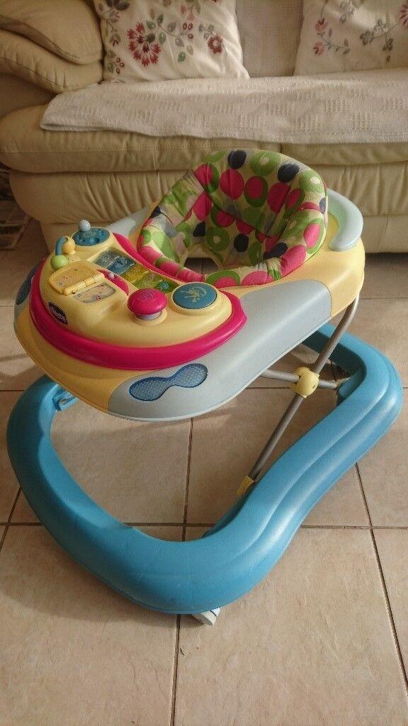 Baby walker with musicsl activities