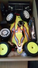 NITRO 1/8TH BUGGY (ONLY USED TWICE )