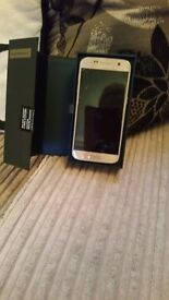 Brand new samsung galaxy s7 32gb platinum gold on ee brand new boxed