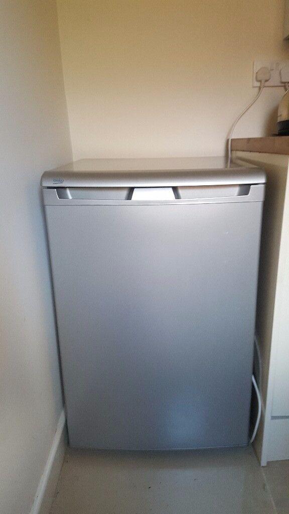 Under cabinet fridge - £50