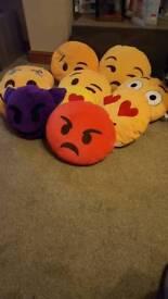 Emoj pillows