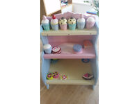 Wooden cake stand and cakes