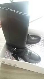Black unused ladies boots size 6 (eu 39)