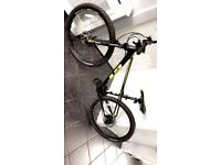 GT Avalanche Mountain Bike excellent condition