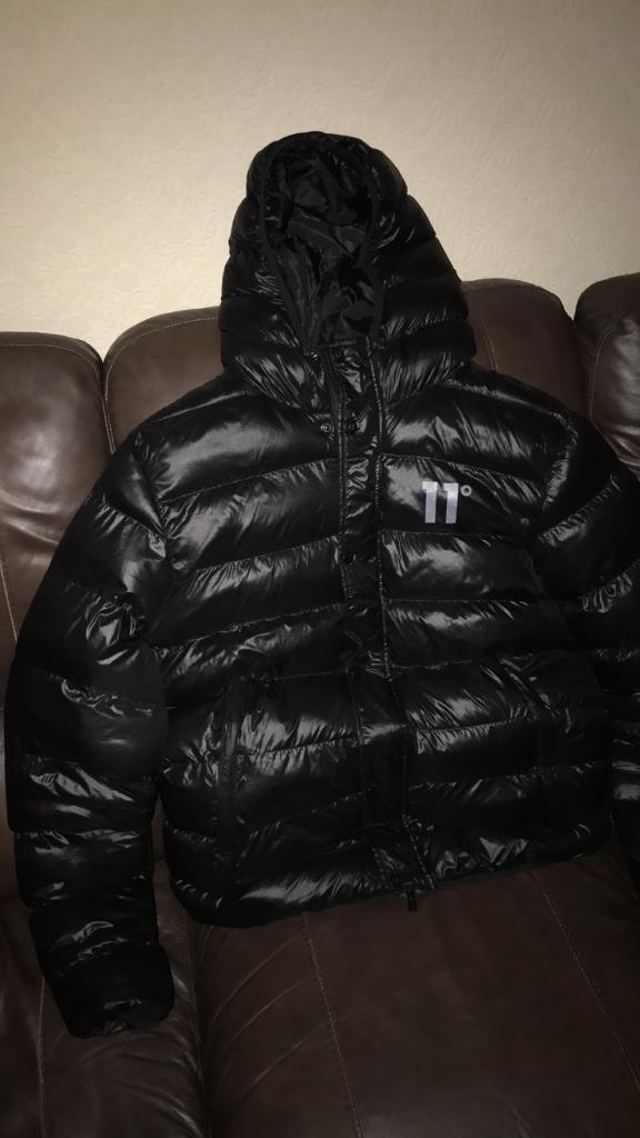 b588d83708f1 Brand new 11 degrees padded shiny bubble jacket black