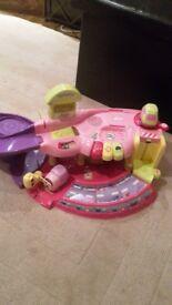 Girls pink car garage