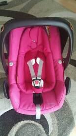 Maxi cosi pebble plus car seat in amazing pink