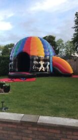 Disco dome with side slide