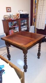 Mid century oak table with extendable leaves