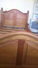 Single bed, antique solid pine, 1 inch solid wood slats. Beautiful piece of furniture