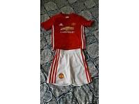 Kids Manchester United 16/17 Home Kit (size 5/6)