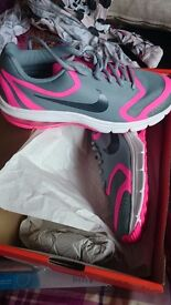 Ladies nike trainers size 6 brand new