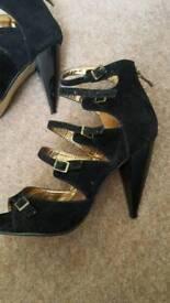 Ladies heels shoes size 5 £7 per pair