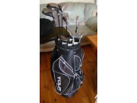 Dunlop Tour Elite Golf Bag with 4 Graphite clubs and 4 steel clubs