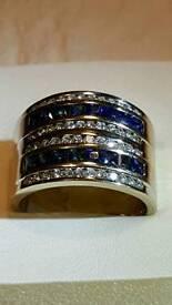 18ct White Gold Diamond & Blue Sapphire Double Barrel Ring