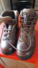 Scarpa ladies walking boot