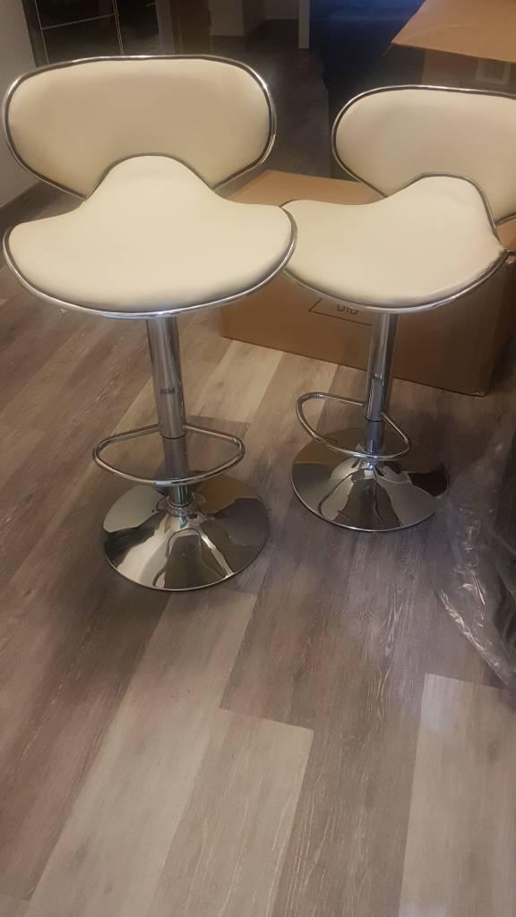 Bar stools x 4