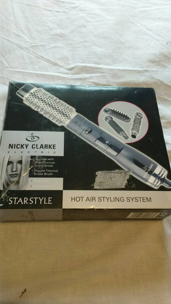 Nicky Clarke Hair stylingin Southampton, HampshireGumtree - Nicky Clarke hot air Hair Styling.Boxed and Complete.4 styling Brushes included.3 Temperature Settings