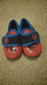 Spiderman slippers size 5