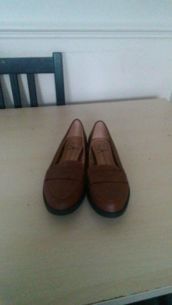 New ladies Shoe
