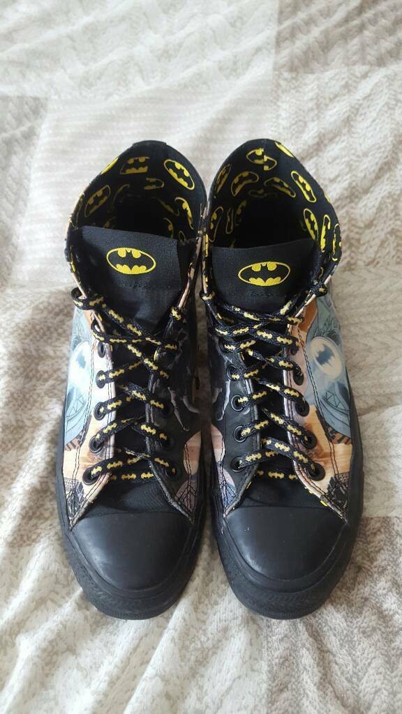 Batman themed converse shoes